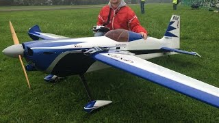 Download Huge Rc Edge 540 with 2.80m Wingsp. and a 120cc Engine at Hausen am Albis Flugtag 2014 Video