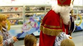 Download Sankt Nikolaus und Knecht Ruprecht verteilen Geschenke Video