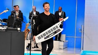 Download World Premiere: Harry Connick Jr performs ″Back It Up″ Video