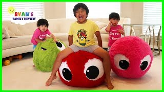 Download Giant Balls Bounce Toys Fun Pretend Play with Ryan, Emma and Kate!!! Video