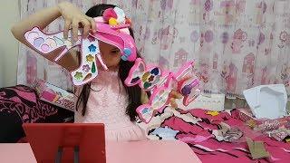 Download 2 Tane En Büyüklerinden Barbie Makyaj Seti Açıyorum ve Makyaj Yapıyorum! Video