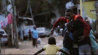 Download Un adolescente sudafricano que vive en la pobreza cambió su vida | UNICEF Video