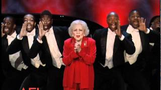 Download Betty White Surprises Morgan Freeman at the 39th AFI Life Achievement Award Video