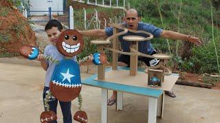 Download A MONTANHA-RUSSA DAS BOLINHAS DE GUDE DO BONECO KICK THE BUDDY Boneco de Pano Video