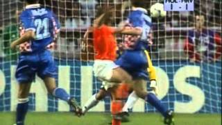 Download World Cup 1998 - top 20 Goals Video
