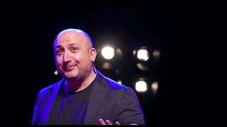 Download Moi, j'écoute de tout | Stéphane Dorin | TEDxBordeaux Video