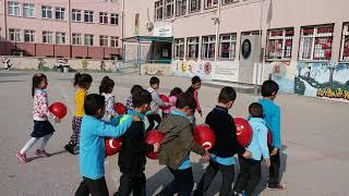 Download İlkokul Bahçe Oyunları 5 Balon Yürüyüşü Video