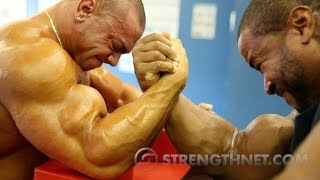 Download Arm Wrestling: Anthoneil vs Tristen Video