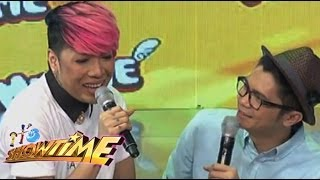 Download It's Showtime hosts bumanat ng ″Coycoy at Mika″ Knock knock jokes Video