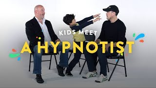 Download Kids Meet a Hypnotist | Kids Meet | HiHo Kids Video