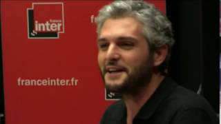 Download Les banquiers sous acides - La drôle d'humeur de Pierre-Emmanuel Barré Video
