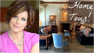 Download Home Tour & DIY Decorating Tips Video