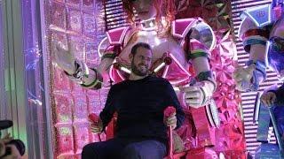 Download Inside Tokyo's Bizarre Robot Restaurant Video