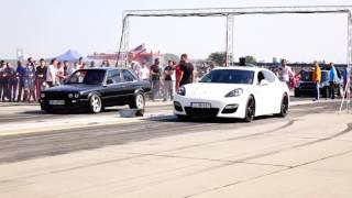 Download BMW E30 2.5 TURBO 500HP vs PORSCHE PANAMERA 700HP Video
