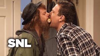 Download Kissing Family: Thanksgiving - SNL Video