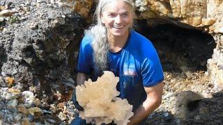 Download Mine Cristal, mining quartz crystals Video