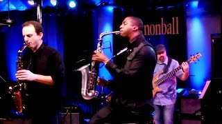 Download ″Uptown Funk″ Mark Ronson ft. Bruno Mars: The Cannonball Band saxophone cover ft Eric Darius Video