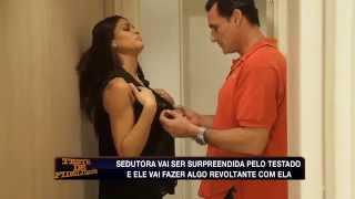 Download Teste de Fidelidade: Corretor de imóveis avalia 'suíte' da sedutora Video