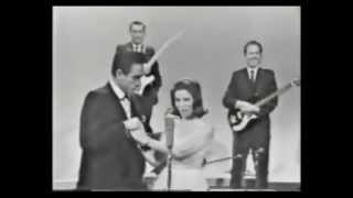 Download Johnny Cash & June Carter - 1967 [Raro] Video