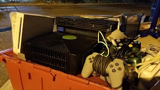 Download JACKPOT DUMPSTER DIVING! - XBOX, PS2, Wii @ more | OmarGoshTV Video