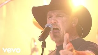 Download Trace Adkins - Honkey Tonk Badonkadonk (Live) Video