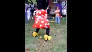 Download Minnie Mouse Twerking On Labor Day 2013 Video