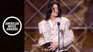 Download Michael Jackson wins Century Award-AMA 2002 Video