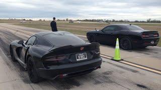 Download Challenger Hellcat Vs Dodge Viper 1/2 Mile Video