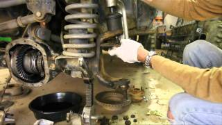 Download How-To replace Dana 30 and 44 Ball Joints part 1 of 3 (removal with cheap press) Video