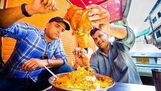 Download Street Food in Karachi, Pakistan - GIANT BONE MARROW BIRYANI + Ultimate Pakistani Street Food! Video