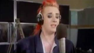 Download Do they Know it's Christmas ~ Band Aid 1984 Video