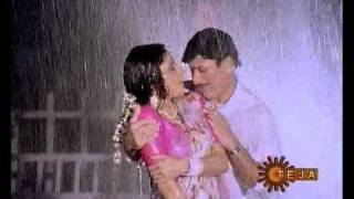 Download Roopa Ganguly rain song Video