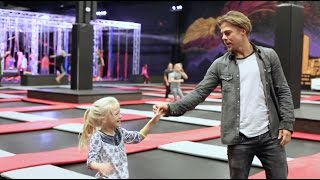 Download Thanksgiving With Derek Hough & Family! ″Feel Again″ by OneRepublic Video