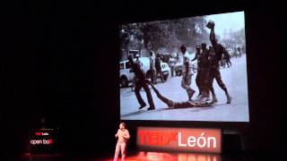 Download Desaprender la indefensión aprendida | Lluis Torrent | TEDxLeon Video