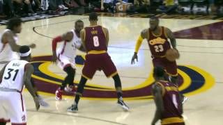 Download LeBron James Shows off for Oscar Robertson Video
