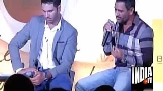 Download MS Dhoni Reveals How Yuvraj Singh Struggle While Batting Due to Cancer | Chak De Cricket Video
