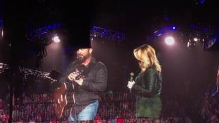 Download Garth Brooks & Trisha Give Special Gift to Cancer Fighter in Memphis! Video