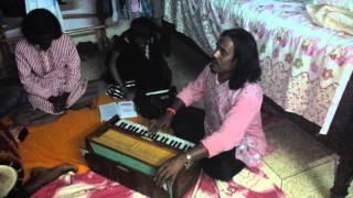 Download BAUL SIRAJ UDDIN AT MY BASHA:- ″Thumi Chariya Na jaiyo Re″ Video