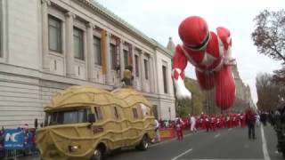 Download The 2016 Macy's Thanksgiving Parade Video