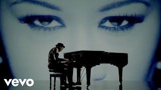Download Labrinth - Beneath Your Beautiful ft. Emeli Sandé Video