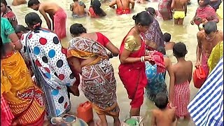 Download Women girls are gentle bathing at Ganges/ uncle auntie Praying to God after snan at ganga ghat Video
