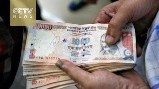 Download Currency crackdown: India's shock bank note ban sparks cash chaos Video
