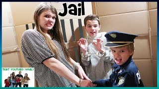Download Cops And Robbers In A Huge Box Fort Maze / That YouTub3 Family Video