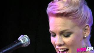 Download 102.7 KIIS-FM: Pink ″Who Knew″ Live Acoustic Video