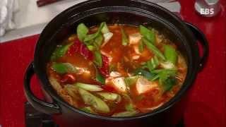 Download 최고의 요리 비결 - 박경신의 순두부찌개와 북어튀김 #001 Video