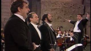 Download MEDLEY (HQ) Pavarotti - Domingo - Carreras / The Three Tenors Video