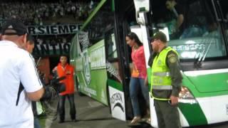 Download MARIANA PAJON con el Atletico Nacional entrando al estadio. Atanasio Girardot Video