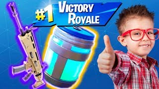 Download KID GIVES ME SCAR & CHUG JUG TO HELP HIM WIN ON FORTNITE!! (HE USES CONTROLLER ON PC!) Video