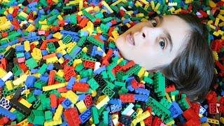 Download INSANE LEGO BATH! + LEGOLAND HOTEL ROOM TOUR Video