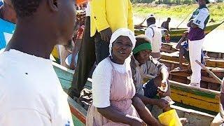 Download ″الجنس مقابل السمك″ أحد أسباب انتشار الأيدز في كينيا Video